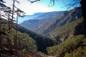 Уч-Кош - ущелье трех гор